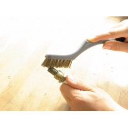 BRUSHES CLEANING KIT